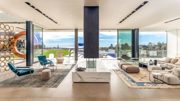 The Prince can also enjoy lounging in the master bedroom's balcony while having an overlooking view of his massive 22,000 square feet property.